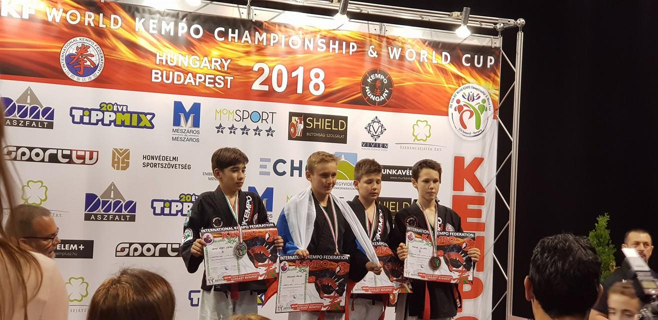 Maxiime Volkov Barbarians Fight Wear championnat du Monde Kempo Soumission et Kempo MMA 2018 Budapest
